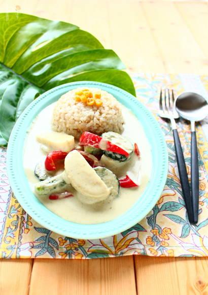 かまぼこと夏野菜のグリーンカレー